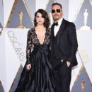Tom Hardy- February 28, 2016-88th Annual Academy Awards - Red Carpet Pictures - 399 x 600