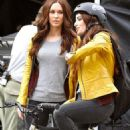 Megan Fox, Gabbin' during Off Screen time with her $Tunt Double, Stacey Carino