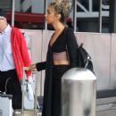 Leona Lewis – Arriving at LAX Airport in Los Angeles - 454 x 700