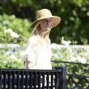 Dakota and Elle Fanning – Out in Los Angeles - 454 x 566