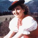 Eva Braun - 446 x 336