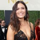 Mandy Moore : 70th Emmy Awards - 400 x 600