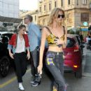 Stella Maxwell abd Kristen Stewart having dinner in Milan - 454 x 681