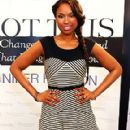 Jennifer Hudson Signs Her Book at the Weight Watchers Center