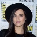 Katie McGrath – 'The Flash' Photocall at 2018 Comic-Con in San Diego - 454 x 477