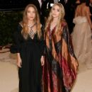 Mary-Kate and Ashley Olsen – 2018 MET Costume Institute Gala in NYC - 454 x 649