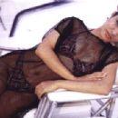 Selena - 454 x 303