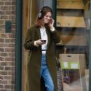 Rose Leslie – Picking up some groceries in London - 454 x 682