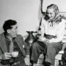 Evelyn Keyes and John Huston - 454 x 312