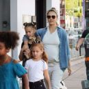 Jessica Alba–Out shopping with her family in Beverly Hills
