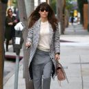 Jessica Biel stops by her restaurant Au Fudge for lunch in West Hollywood, California on January 24, 2017 - 435 x 600