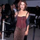 Neve Campbell At The 1997 MTV Movie Awards - 433 x 650