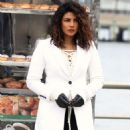 Priyanka Chopra – Filming 'Quantico' set in New York - 454 x 772