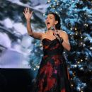 Martina McBride-November 10, 2011-Country Christmas - 389 x 594
