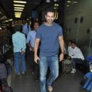 John Abraham return from Durban - 391 x 588