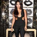 Kim Kardashian Cassandra Huysentruyt Grey Hosts Artist In Los Angeles