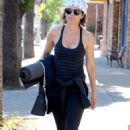 Lisa Rinna – Leaves a morning workout in Los Angeles - 454 x 681