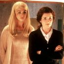 Rachel Weisz and Susan Lynch in Universal Focus' Beautiful Creatures - 2001 - 400 x 362