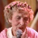 The Wedding Singer - Ellen Albertini Dow - 320 x 240