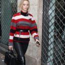 Hannah Ferguson – Leaving Dolce and Gabbana Show in Milan - 454 x 681