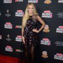 Carrie Underwood – 2018 Radio Disney Music Awards in Hollywood - 454 x 578