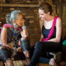 Angelina Jolie visit Karenni refugees in Thailand  (June 20, 2014)