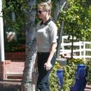 Kate Upton- October 4, 2016- Lunch in West Hollywood - 419 x 600