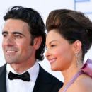 Ashley Judd and Dario Franchitti At The 64th Primetime Emmy Awards (2012) - 454 x 344