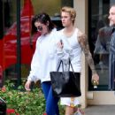 Selena Gomez and Justin Bieber – Lleaving a pilates studio in West Hollywood