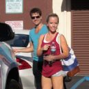Kendra Wilkinson: Cooling Off After Dance Practice
