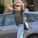 Sophia Thomalla in Jeans – Out in Los Angeles - 454 x 681