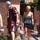 Britney Spears Having Lunch In Sherman Oaks