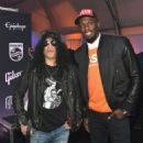 Gibson Rocks Opening of CES 2018 With Slash - 454 x 560