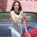 Eva Longoria: stopping by a gas station in Culver City