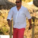 Retired Brazil legend Ronaldo Luís Nazário de Lima reveals his fuller physique as he takes a break in Ibiza - 454 x 680