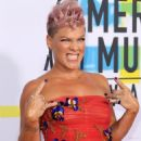 Pink shoots down speculation she cringed at Xtina's Whitney tribute