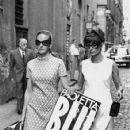 Doris Kleiner, Audrey Hepburn - 424 x 812