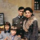 Brad Davis and Madolyn Smith Osborne in The Plot to Kill Hitler (1990) - 454 x 681