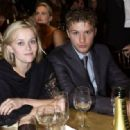 Reese Whiterspoon and Ryan Phillippe - The 8th Annual Screen Actors Guild Awards (2002) - 454 x 317