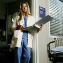Katherine Heigl as Dr. Isobel 'Izzie' Stevens in Grey's Anatomy - 454 x 598