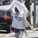 Kaley Cuoco In Leggings Leaving Yoga Class In Sherman Oaks