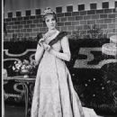 Camelot (musical) 1960 Broadway Musical Starring Julie Andrews - 448 x 550