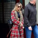 Margot Robbie – Leaves her hotel in New York