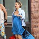 Kate Hudson in Blue Dress – Shopping in Aspen
