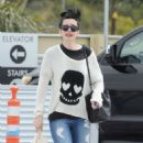 Krysten Ritter – Leaves the Access Specialty Animal Hospital in Culver City - 454 x 625