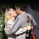 Florence Pugh – Shares a kiss with boyfriend Zach Braff in London