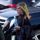 Jennifer Aniston – Arriving at Jimmy Kimmel Live! in LA - 454 x 593