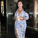 MJ Leaving Her Hotel In NY April 4.2012 - 382 x 594