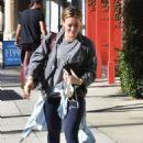 Hilary Duff – Hits the gym in Studio City - 454 x 681