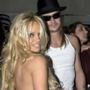 Kid Rock and Pamela Anderson - 298 x 447